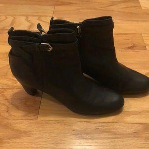 Sam Edelman black ankle boot size 8